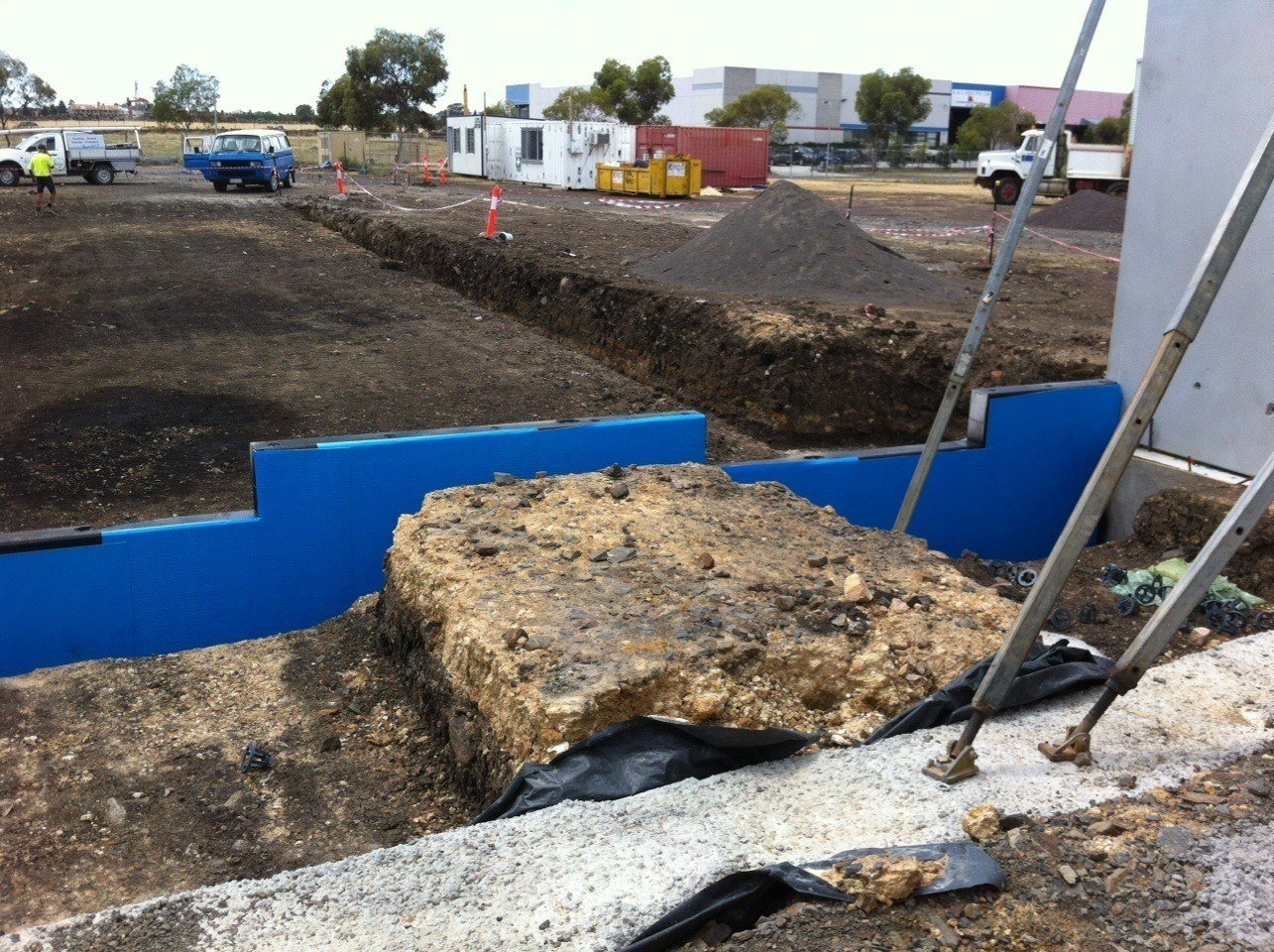 Retaining Wall Waterproofing : Retaining walls protection sheet for waterproofing buy